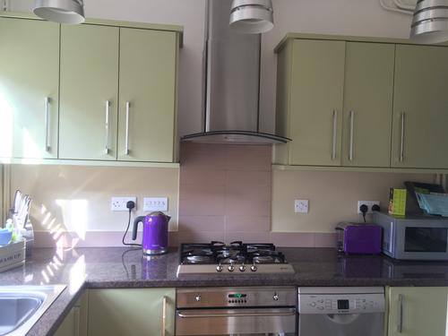 Fully equipped kitchen with Smeg appliences